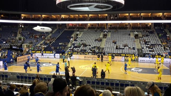 Basketball ALBA Berlin Skyliners Frankfurt Mercedes Benz Arena 20161008 (12).jpg