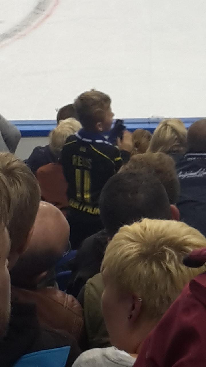 Eishockey Eisbären Berlin Kölner Haie DEL 20161007 (26).jpg