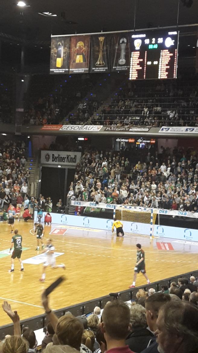 handball-bundesliga-topspiel-fuchse-berlin-thw-kiel-max-schmehling-halle-20161005-15